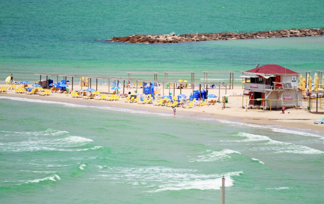חוף סירונית בנתניה
