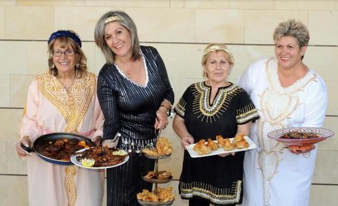 נשים מבשלות | צילום: איל קרן