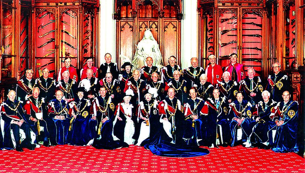 טקס הענקת אותות כבוד ותארי אבירות בארמון | צילום: צ'רלס גרין