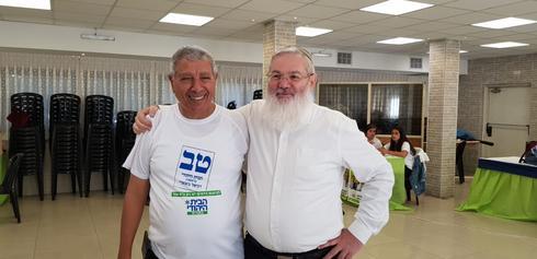 סגן שר הביטחון, אלי בן דהן, בביקור תמיכה במטה הבית היהודי בנתניה | צילום: ניר איסקוב
