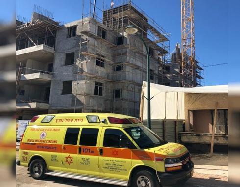 """מהתאונה באבא הלל   צילום: דוברות מד""""א"""