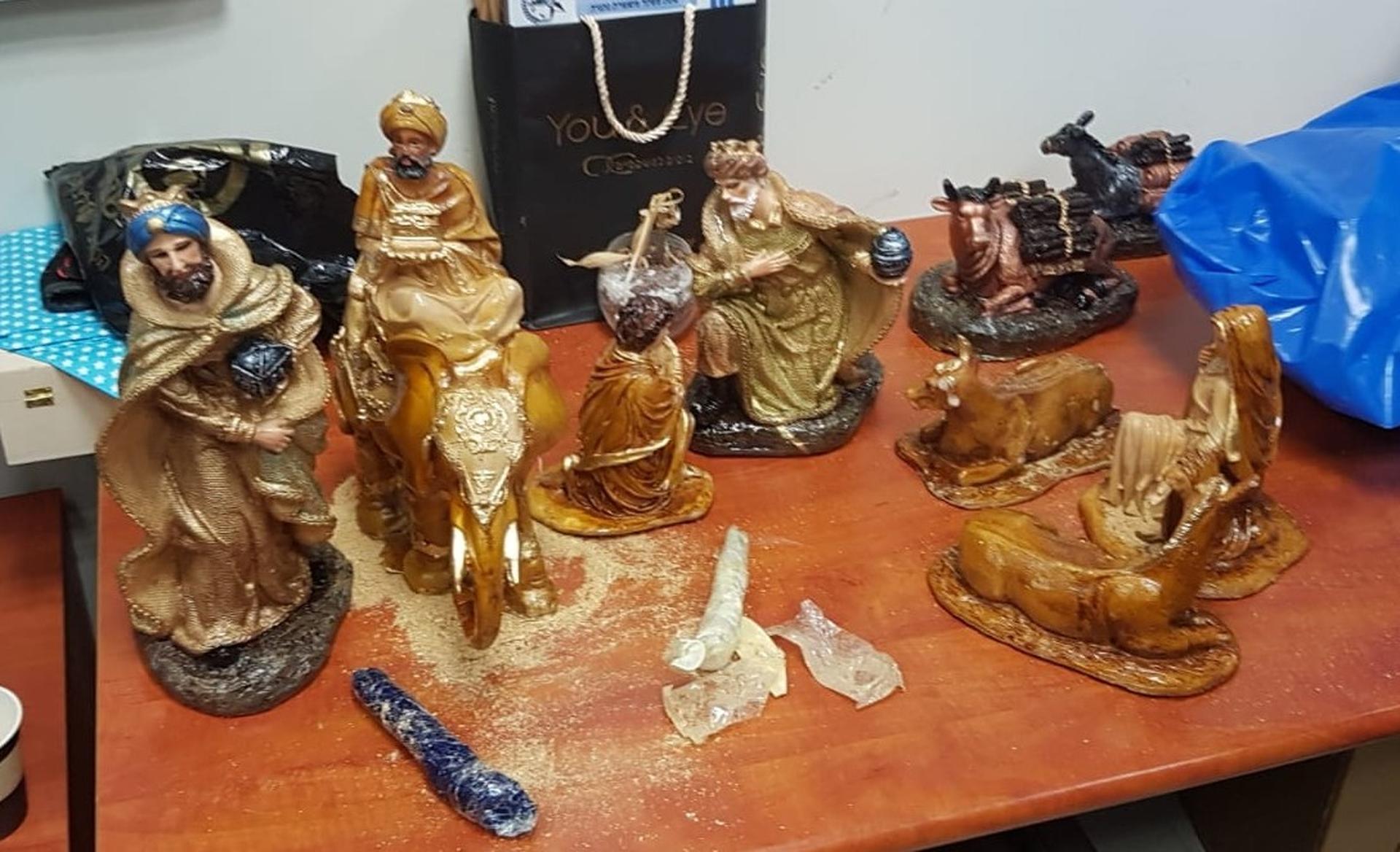 הפסלים פחות סיקרנו את החוקרים | צילום: דוברות המשטרה שרון