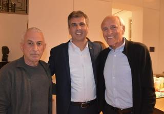 מוטל'ה שפיגלר, השר אלי כהן ושטרן חלובה. צילום: תקשורת שר הכלכלה