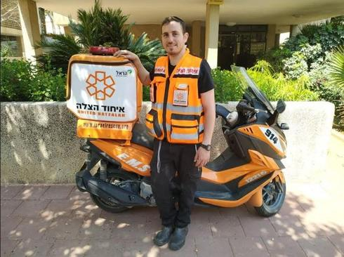 נחמיה ארלנגר מנעולן ומתנדב | צילום: דוברות איחוד הצלה
