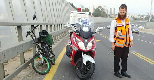 תאונת אופניים חשמליים מחלף פולג (צילום: איחוד הצלה)
