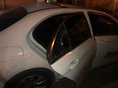 פריצה למונית בשכונת רמות בבאר שבע. צילום: דוברות המשטרה