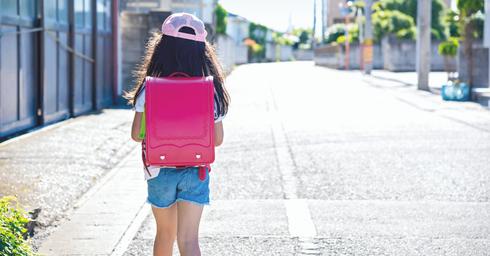 ילדה מהגב   צילום אילוסטרציה: Shutterstock